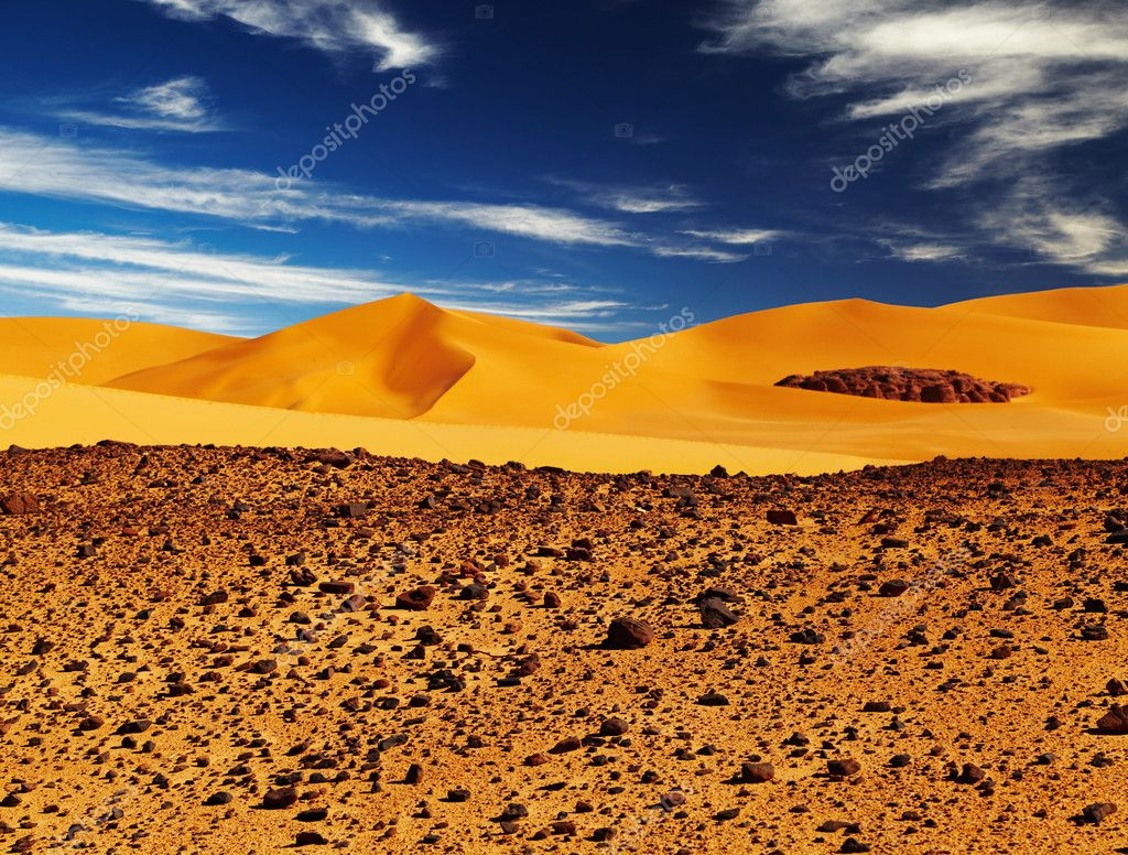 Sand dune in Sahara Desert, Tadrart, Algeria — Stock Photo #8691700