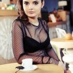 Beautiful elegant woman. Luxury photo. — Stock Photo