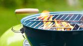 Yangın ve ızgara — Stok fotoğraf