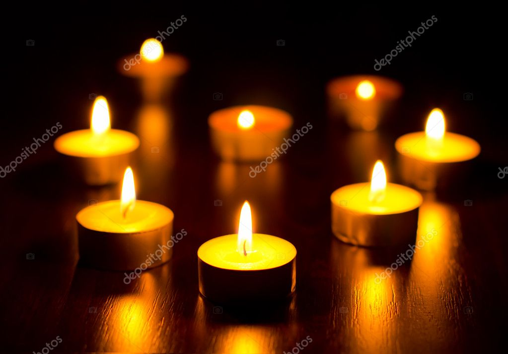 Many burning candles with shallow depth of field — Stock Photo #8929469