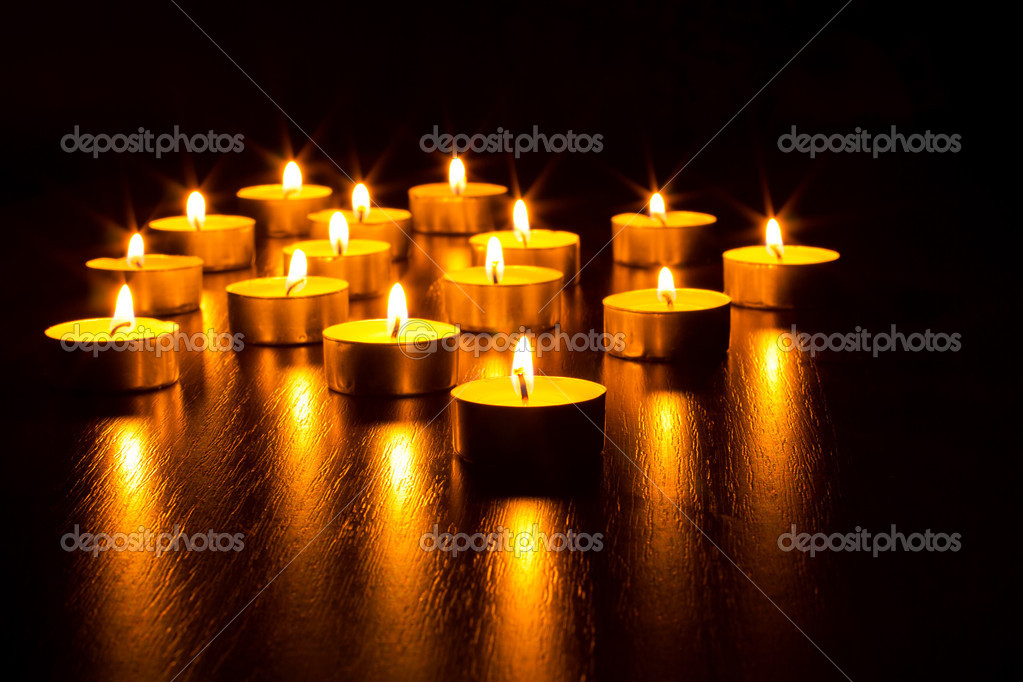 Many burning candles with shallow depth of field — Stock Photo #9341863