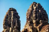 Ściany świątyni bayon starożytnych w angkor wat — Zdjęcie stockowe