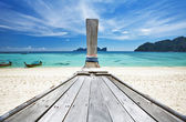 Old Thai boat at the beach — Stock Photo