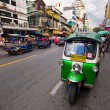 "Traditional street taxi ""tuk-tuk"" awaits passengers — Stock Photo"