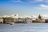 View on tne Neva river and St Isaac's Cathedral. St. Petersburg, — Stock Photo