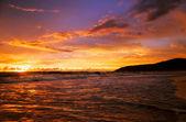 熱帯の色鮮やかな夕焼け. — ストック写真