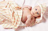 新生児ベッド上安静時の画像 — ストック写真