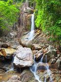 Wunderschöne Kaskade Wasserfall, Koh Samui, thailand — Stockfoto