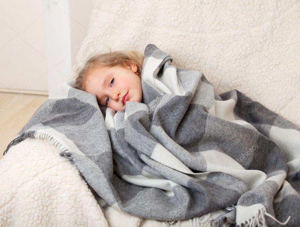 Фото детей на одеяле