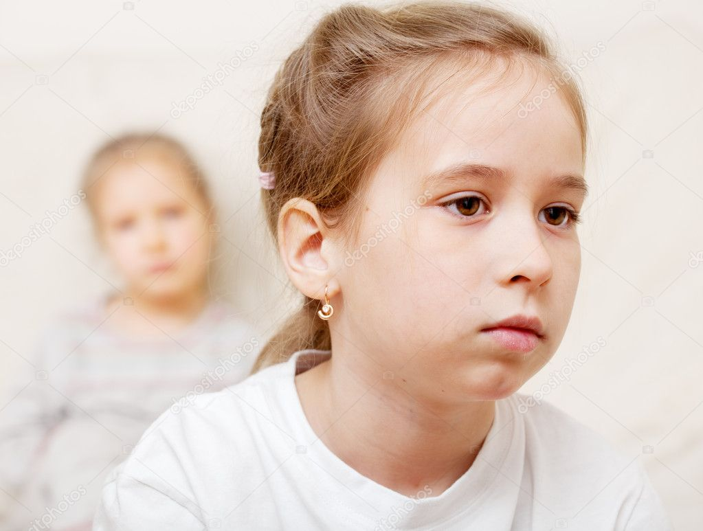 Conflict between children. The sisters quarreled. Problems in family — Stock Photo #9541943
