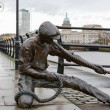 The Linesman statue. Dublin, Ireland — Stock Photo