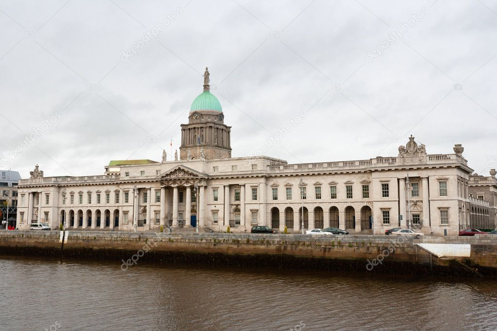 The Custom House. Built in 1791. Architect was James Gandon. Dublin, Republic of Ireland — Stock Photo #10031281