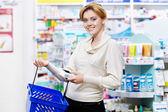 Presso la farmacia — Foto Stock
