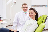 A dentist and a girl — Stock Photo