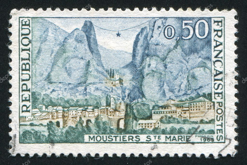 FRANCE - CIRCA 1965: stamp printed by France, shows Moustiers-Sainte-Marie, circa 1965 — Stock Photo #8815193