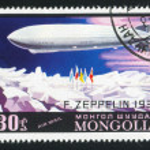 Zeppelin over ice — Stock Photo