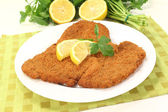 Wiener Schnitzel with lemon — Stock Photo