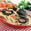 Spaghetti with mussels — Stock Photo