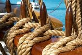 Yacht's ropes and tackles — Stock Photo