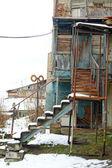 вид традиционных узких улочек старого тбилиси, грузия — Стоковое фото