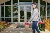 Vrouw shopping tassen — Stockfoto