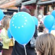 Group of teenage holding eu balloons - Stockfoto