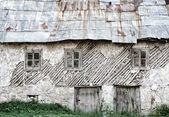 Old house in mountain village — Stok fotoğraf