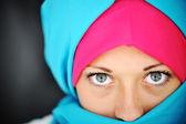 Mode blå och rosa hijab — Stockfoto