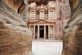 Impozantní klášter v petře, jordánsko — Stock fotografie