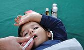 Hasta çocuk — Stok fotoğraf