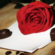 Love letter and red rose — Stock Photo