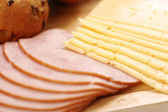 Peynir ve salam — Stok fotoğraf