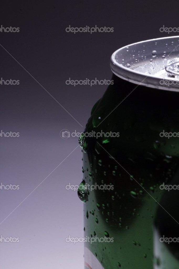 Close up of cans with cold drink — Stock Photo #9481065