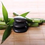 Spa pedras e folhas de bambu — Foto Stock