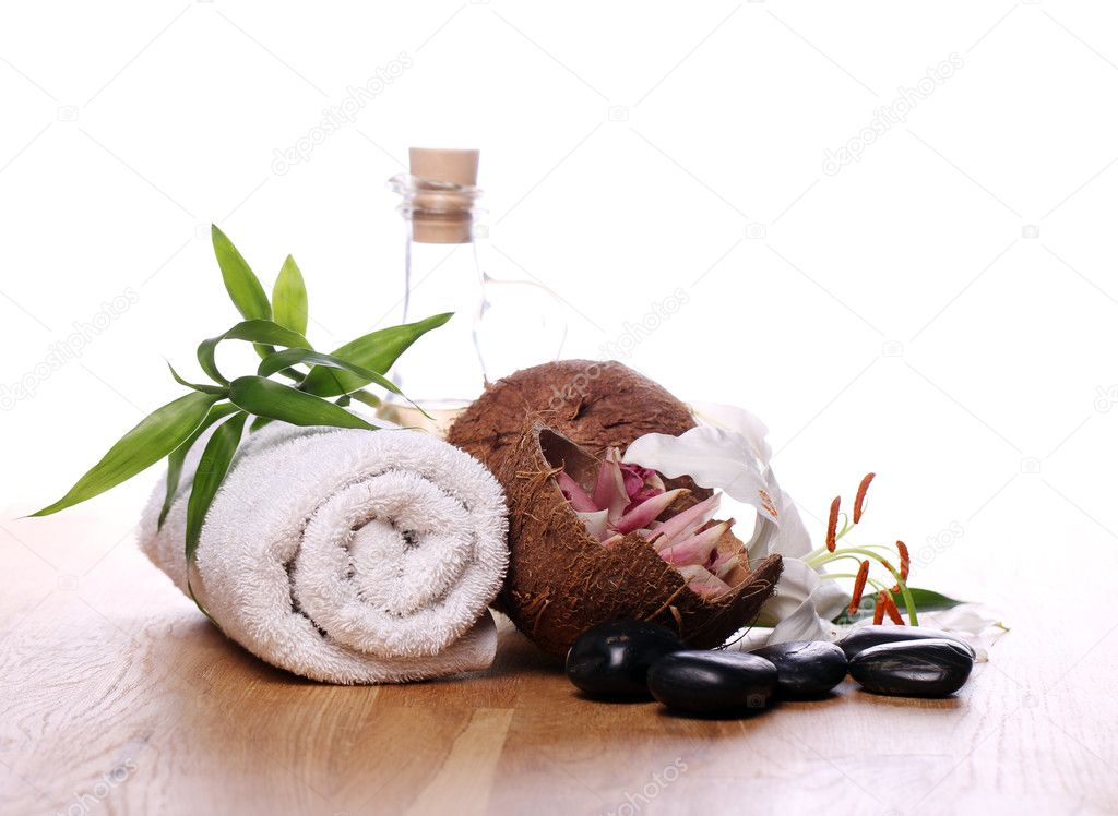 Spa and wellness stuff over white background — Zdjęcie stockowe #9796293