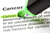 'Cancer' highlighted in green — Stockfoto