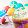 Easter eggs and cake — Stock Photo #8805078