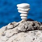 Stone stack balance, Adriatic coast — Stock Photo