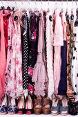 Sexy modieuze kleding, schoenen en accessoires — Stockfoto