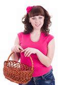 女性の持ち株のバスケット — ストック写真