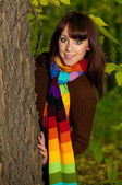 Beautiful smiling girl in park — Stockfoto