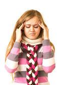 Krásná dívka s hroznou bolestí hlavy, držení hlavy v bolesti — Stock fotografie