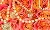 Piękne tło rose i perełki — Zdjęcie stockowe