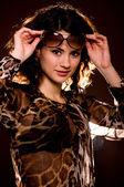 Retrato de mujer joven hermosa con gafas — Foto de Stock