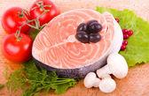 那条鲑鱼配菜 — 图库照片