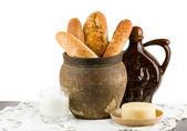 Beau pain sertie de lait et fromage — Photo