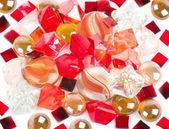 Schöne helle bunte steine und pearl — Stockfoto