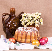 Traditional Easter cake with eggs — Stock Photo