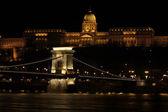 здание в ночное время, будапешт — Стоковое фото