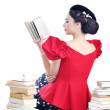 Beautiful young woman read book — Stockfoto
